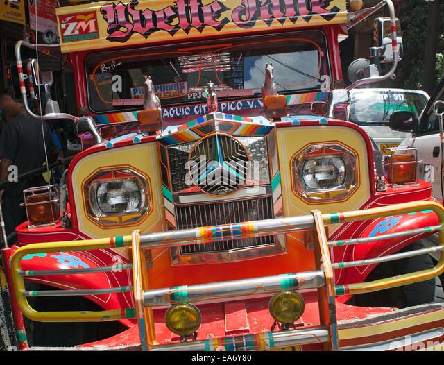 Front-End von einem Jeepney, eine Form des öffentlichen Verkehrs basierend auf alten USA militärischen Stockbild