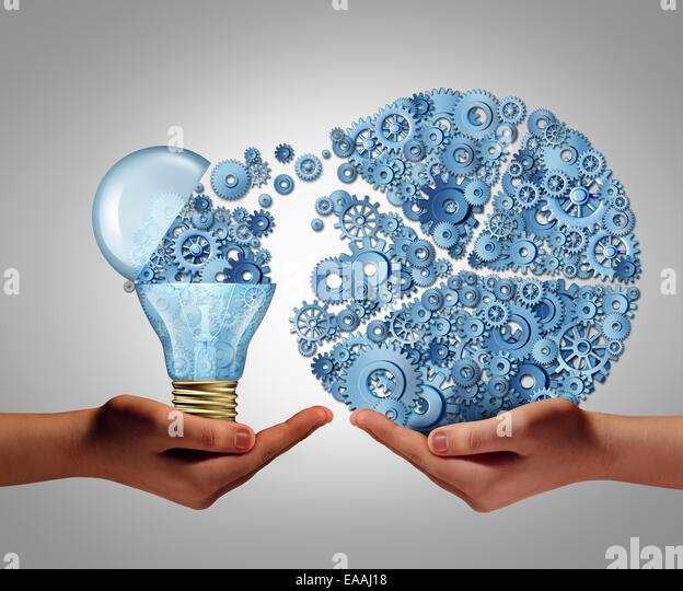 Investieren in Ideen Geschäftskonzept und finanzielle Unterstützung von Innovation als offene Glühbirne Stockbild