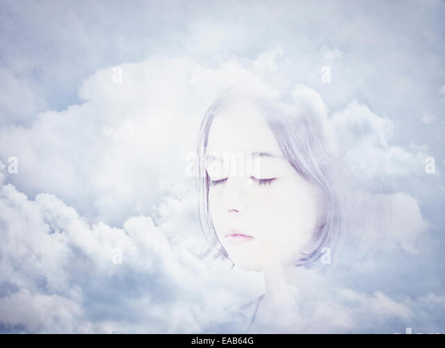 Gesicht in den Wolken. Digital Composite. Stockbild