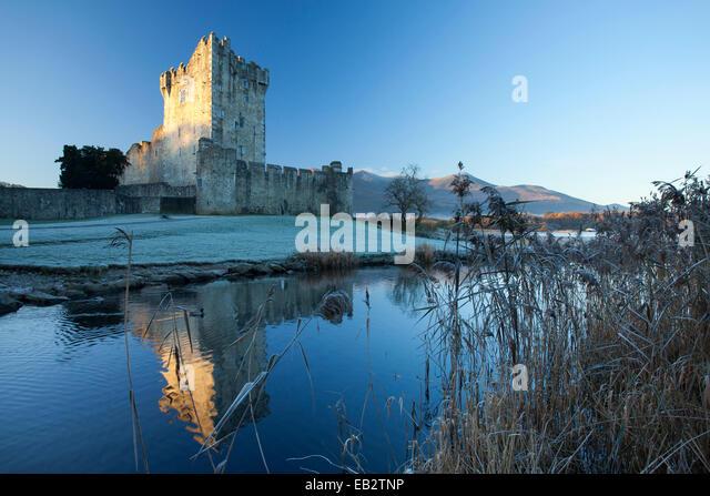Winter am Lough Leane, Killarney Nationalpark, Ross Castle, County Kerry, Irland. - Stock-Bilder
