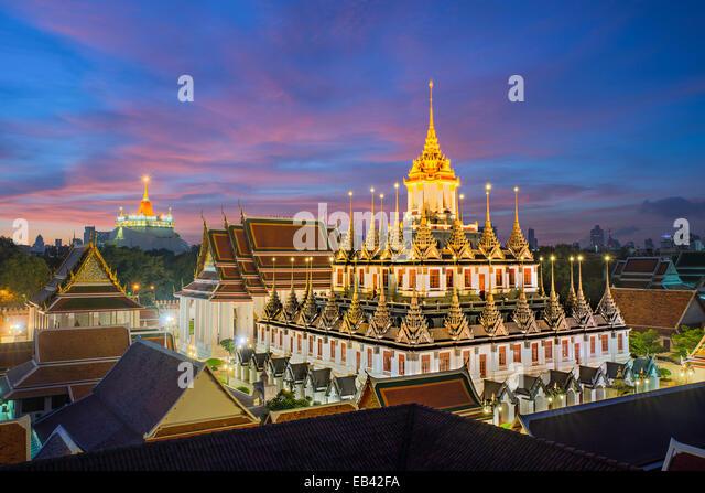 Wat Ratchanaddaram und Loha Prasat Metall Palast in Bangkok, Thailand Stockbild