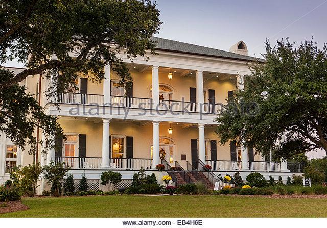 Dieses historische neoklassizistische Haus namens Robinson, Maloney, Dantzler House, ist jetzt der Tourist-Information Stockbild