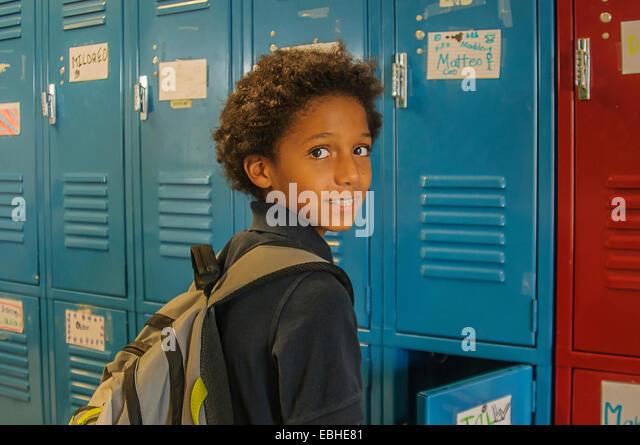 Porträt von Schulmädchen öffnen Schule locker Stockbild