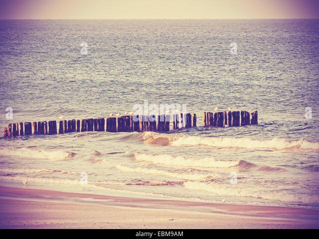 Vintage Retro-gefiltertes Bild von einem Strand, ruhiger Hintergrund. Stockbild