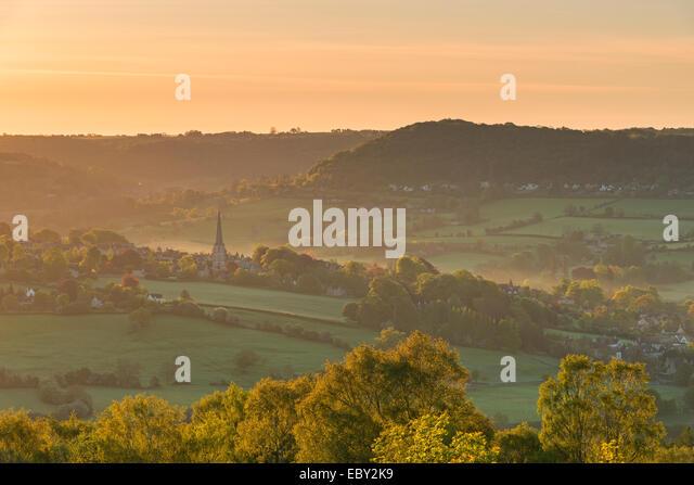 Malerischen Cotswolds Dorf von Painswick im Morgengrauen, Gloucestershire, England. Stockbild