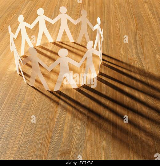Kreis der weißen Karton auf Holz, 3D Rendering Stockbild