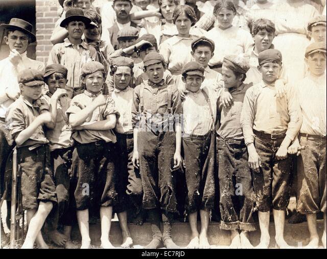 Gruppe von Kinderarbeitern in Moritas Mill; Columbus; Georgien. - Stock-Bilder