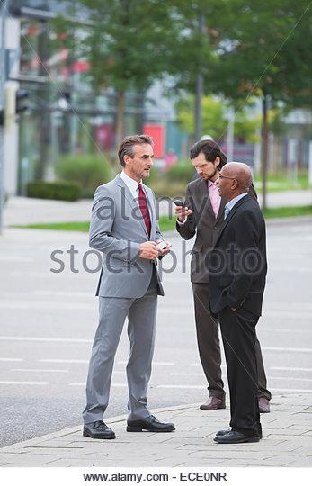 Gemischtrassigen Gruppe Geschäftsleute treffen Zusammenarbeit Stockbild