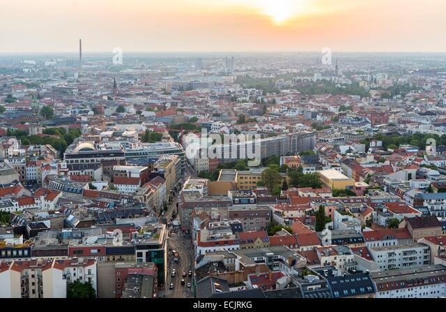 Deutschland, Berlin, Ost-Berlin, Gesamtansicht vom Fernsehturm (Fernsehturm) Stockbild