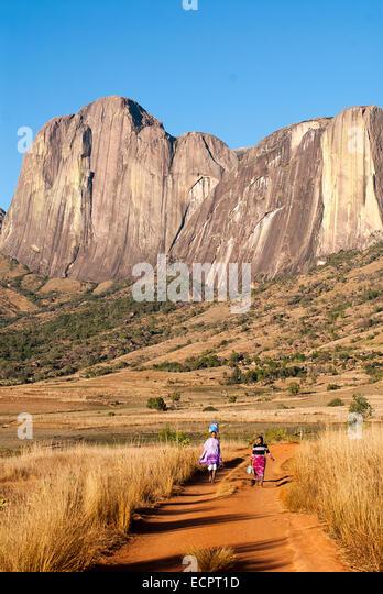 Dorfbewohner im Tsaranoro-massiv, Zentralmadagaskar. Stockbild
