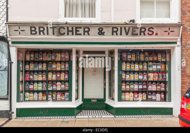 """""""Britcher und Flüsse"""", eine altmodische Konditorei in Rye, Sussex, Großbritannien Stockbild"""