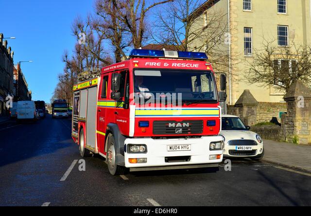 Feuer und Rettung Services in Aktion auf den Straßen von Bristol, Whiteladies Straße. Stockbild