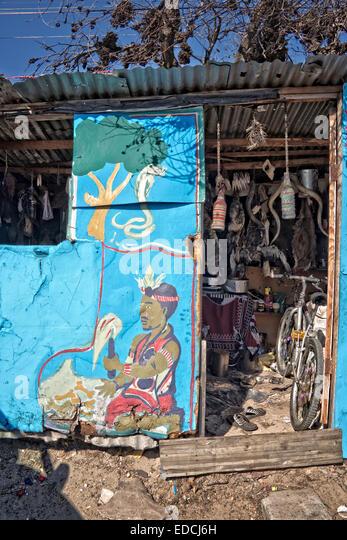 Traditionelle Heiler Haus im Township Khayelitsha, den Ruf, die größte und am schnellsten wachsenden Township Stockbild