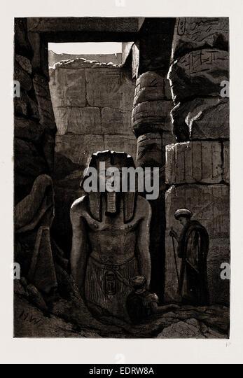 ANTIQUARISCHEN AUSGRABUNGEN IN ÄGYPTEN, 1886: EIN WEITERES STATUE VON RAMSES II. VOR KURZEM ENTDECKT. IN LUXOR Stockbild
