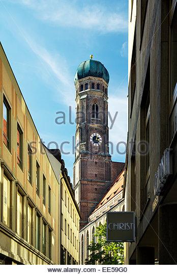 Zwiebelturm Kuppel der Frauenkirche Dom in München / Munich, Germany. Stockbild