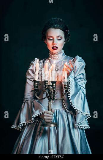 Frau im viktorianischen Kleid Stockbild