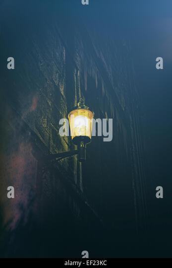 Straßenlaterne in der Nacht Stockbild