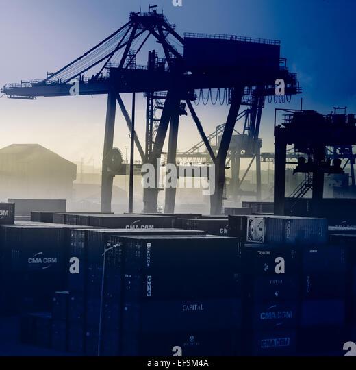 Blau getönte Blick auf Casablanca Werft Stockbild