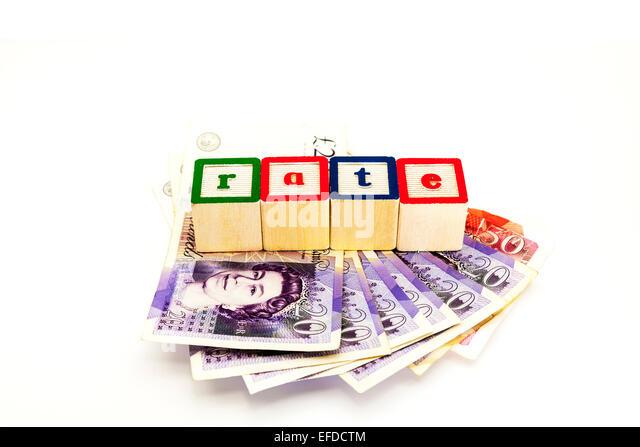 Zinssatz Geld Darlehen Preise Bar Pfund niedrige untere hohe höher steigende Austausch Kopie Raum weißen Stockbild