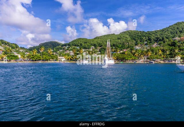 Karibik, Antillen, Lesser Antilles, Grenadinen, Bequia, Blick zum Strand Stockbild