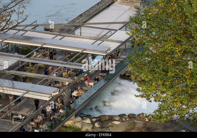Schwellenmaetteli Cafe über Fluss Aare, Bern, Schweiz Stockbild