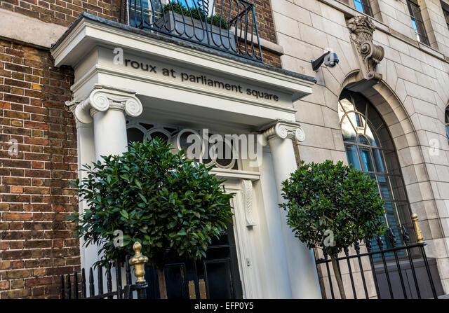 Der Eingang zum gehobene Küche Restaurant Roux am Parliament Square, ein Restaurant von Michel Roux Jr. Stockbild