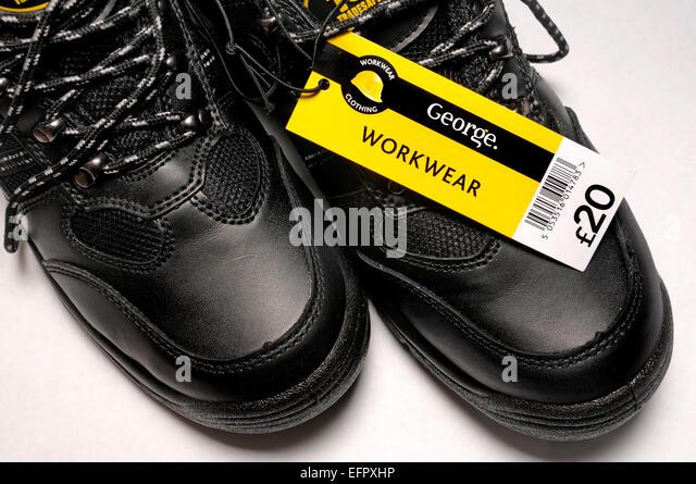 Billige Schuhe (£20) gekauft bei Asda (UK) Stockbild