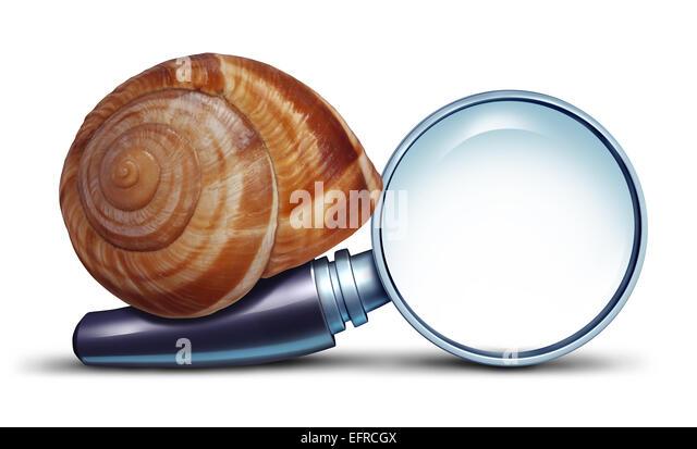 Langsame Suche Konzept und Probleme mit Internet-Anschluss für die Suche nach Informationen mit einer Lupe Stockbild