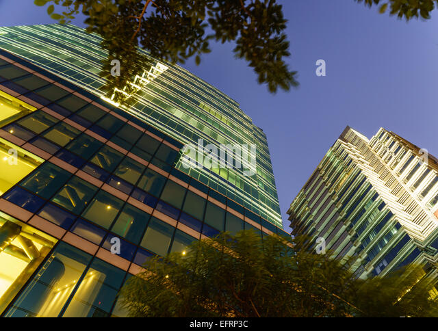 glass elevator exterior stockfotos glass elevator exterior bilder alamy. Black Bedroom Furniture Sets. Home Design Ideas
