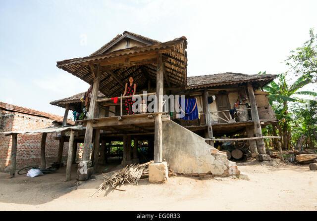 Kon Tum Minderheitengemeinschaften, Vietnam. Bahnar (Ba Na) ethnische Gruppe (traditionelles Haus). Stockbild