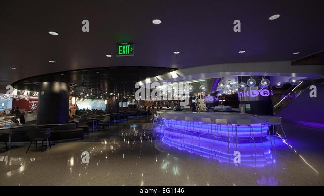 Trinken Sie LA im Tom Bradley International Terminal am Los Angeles International Airport. Stockbild