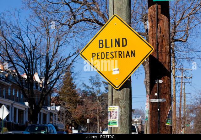 Blinde Fußgänger Zeichen in Wohngegend - USA Stockbild