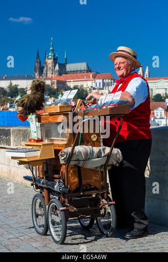 Musiker auf der Karlsbrücke Stockbild
