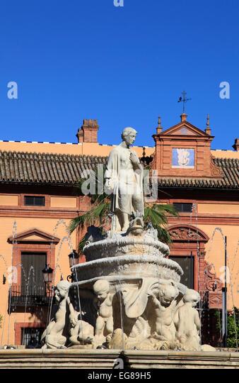 Spanien, Andalusien, Sevilla, Plaza Puerta de Jerez, Square, Springbrunnen, Statue, Stockbild