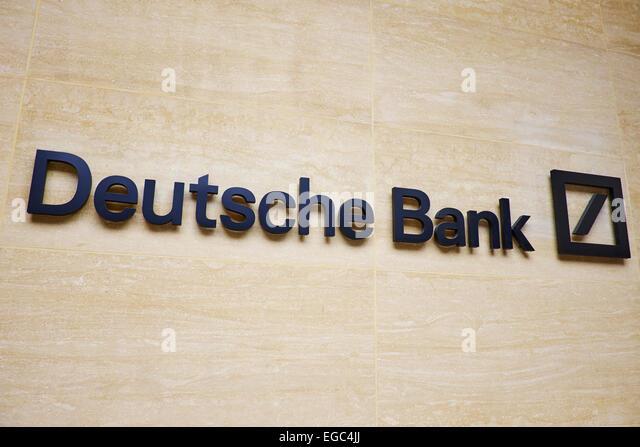 Deutsche Bank-Schild außerhalb der London Wall Niederlassung London UK Stockbild
