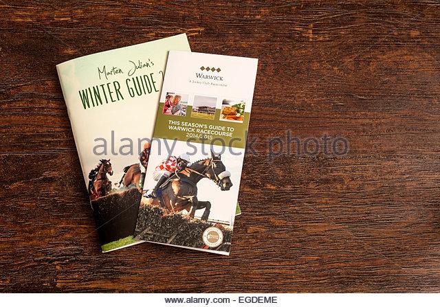 Horse Racing Guides und Informationen - Marten Julian Winter Guide und Warwick Rennbahn Broschüre Stockbild