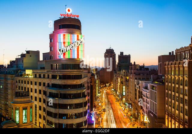 Skyline von Madrid in der Abenddämmerung Stockbild