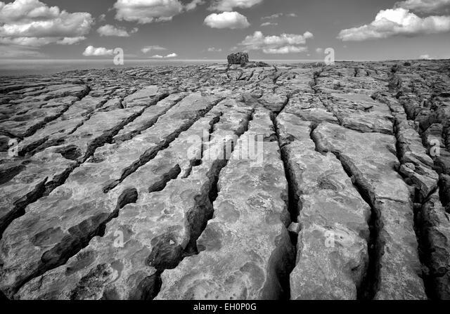 Karstlandschaft. Der Burren, County Clare. Irland Stockbild
