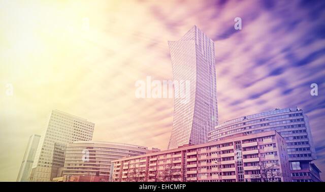 Urbane Landschaft in leuchtenden Farben, Skyline von Warschau, Polen. Stockbild