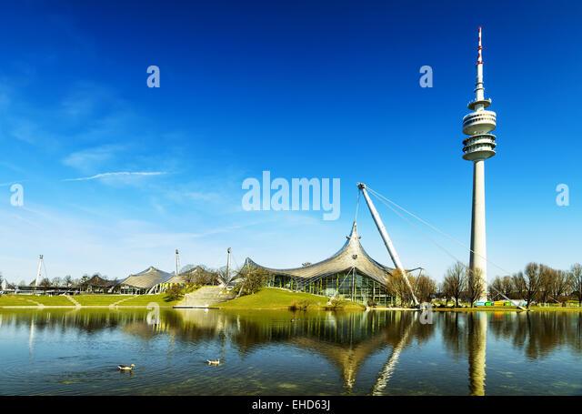 Olympiapark, München Olympiastadion und Installation, Deutschland, Europa Stockbild