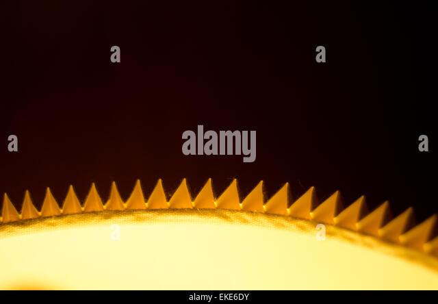 Minimalistische Bild von einem leuchtenden Lampenschirm. Stockbild