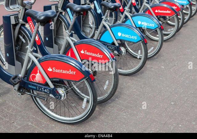 Fahrradverleih-docking-Station mit neuen Bikes von Santander gesponsert, die Barclays als Hauptsponsor ersetzen. Stockbild