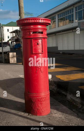Briefkasten in St. John's, Hauptstadt von Antigua und Barbadu, kleine Antillen, Caribbean.  Bankserver in St. Stockbild