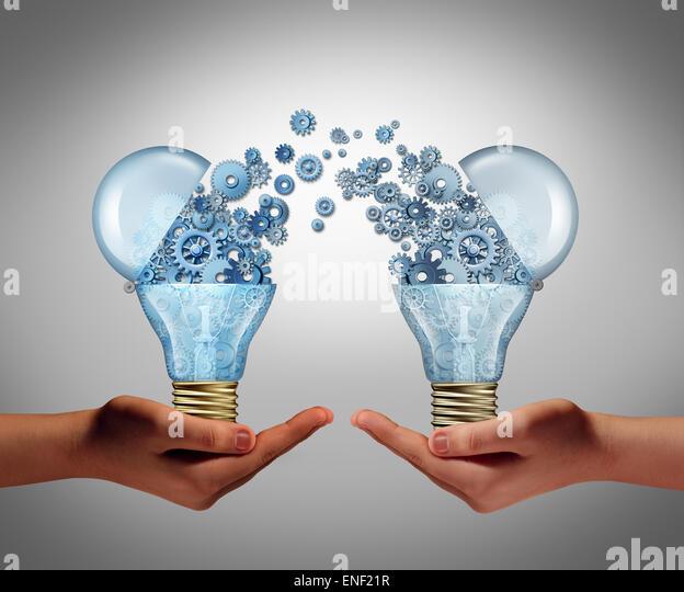 Ideen-Vereinbarung in Business Innovation-Konzept und finanzielle Unterstützung der Kreativität als offene Stockbild