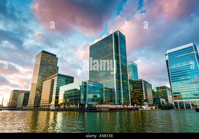 Canary Wharf in der Abenddämmerung, Docklands, London, England, Vereinigtes Königreich, Europa Stockbild