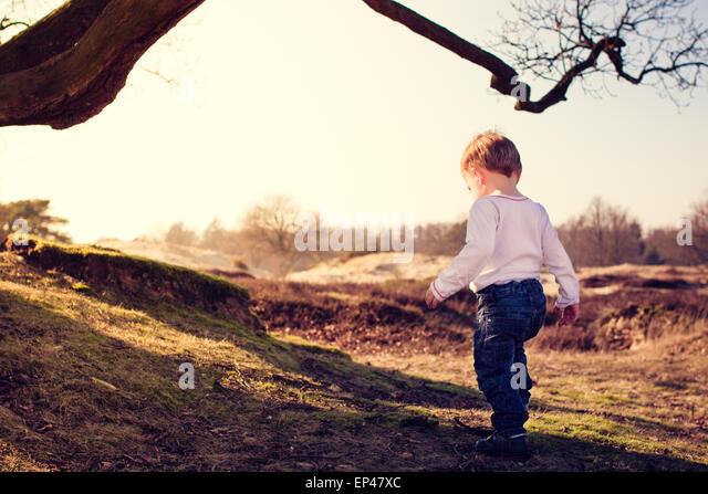Kleinkind, Ausflüge in die Umgebung Stockbild