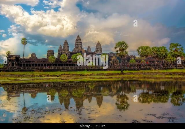 Sonnenuntergang über Angkor Wat Stockbild
