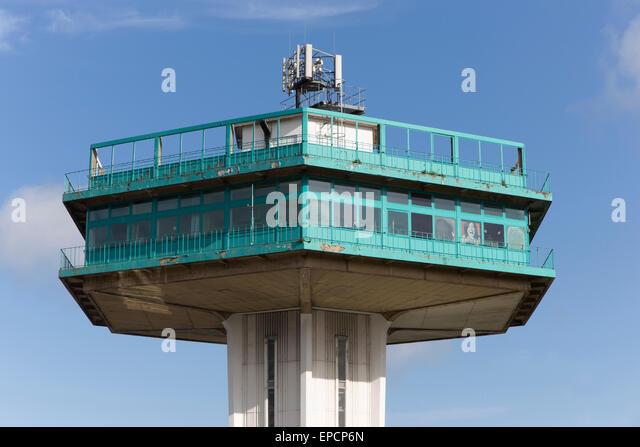 Der Pennine Turm, Teil der Lancaster Services bei Forton, eröffnet 1965, entworfen von den Architekten T.P. Stockbild
