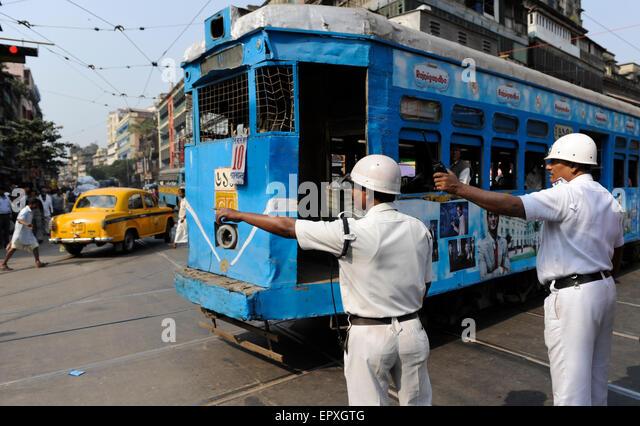 INDIA Westbengal Calcutta Kolkata, traffic police and tram / INDIEN Westbengalen Megacity Kalkutta, Polizei und - Stock-Bilder