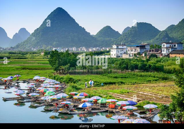Yangshuo, China auf dem Li-Fluss. Stockbild